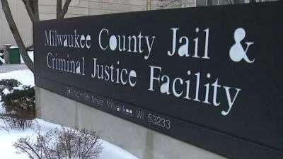 Civil Rights Suit Filed by Estate of Inmate Who Died of Dehydration